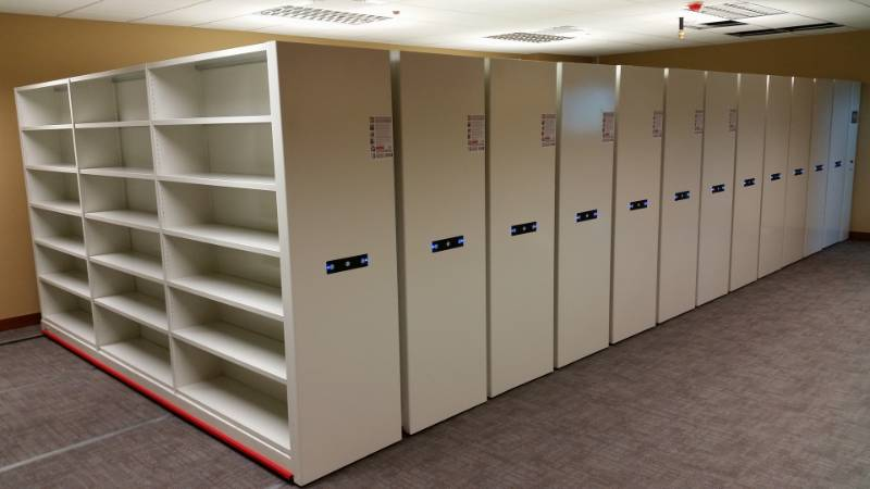 Rackline mobile set-ups: Monotrak Powertrak - Shelving system