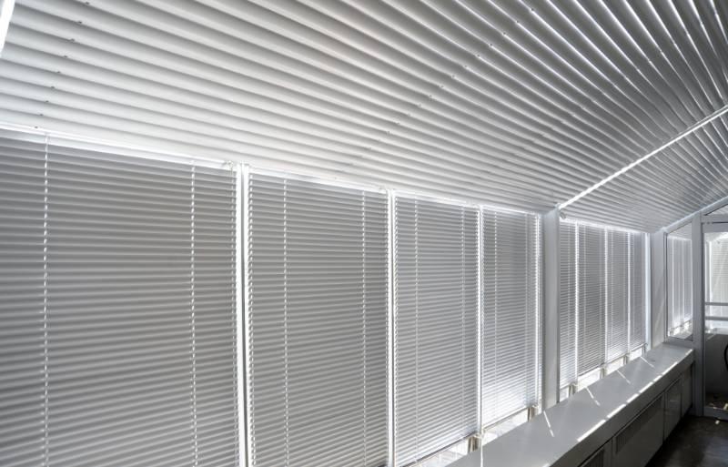 5000 Series Venetian Blind