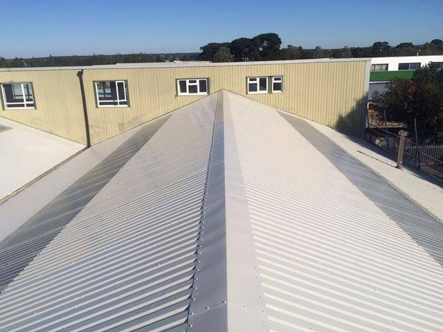 Metal roof coating with BBA Approved Metalseal from Liquasil