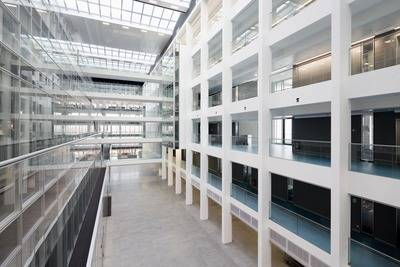 Glass balustrade system Easy Glass Slim selected for Volkswagen head office Germany