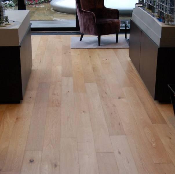 Oak Engineered Wood Flooring, UV Oiled, Mixed Grade