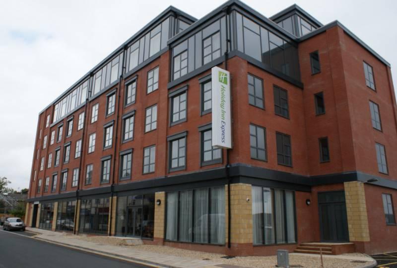 Kestrel Aluminium. Case Study: Holiday Inn, Grimsby
