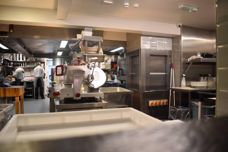 EN81-3 Dumbwaiter Service Lift - Buon Apps Restaurant, Otley