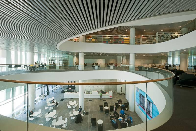 Sir Duncan Rice Library, Aberdeen