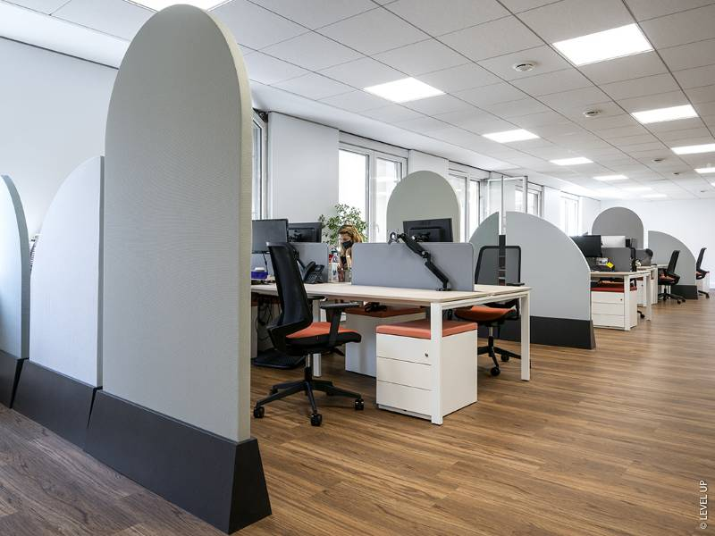 THE IDEAL CUSTOM-MADE ACOUSTIC STANDING PARTITIONS