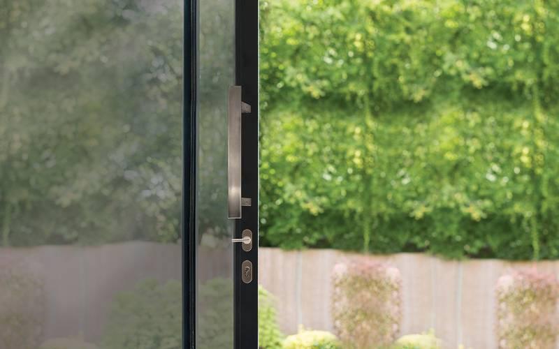 BLU™ - KM856 Straight Slide Handle Kit Offset Rectangular 'T' Bar