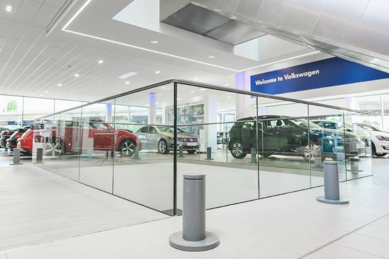 Easy Glass Slim all-glass railing - VW flagship showroom London