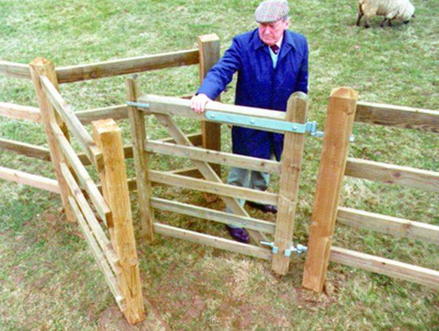 Timber Kissing Gates