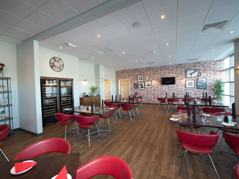 Polyflor Affinity255 delights diners at Enfields Kitchen