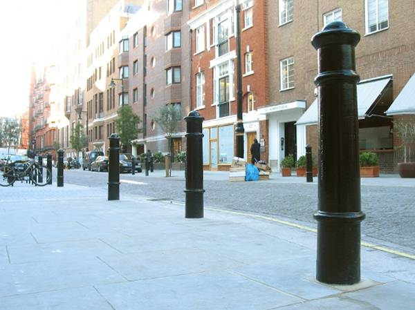 Cannon Aluminium Removable Bollard