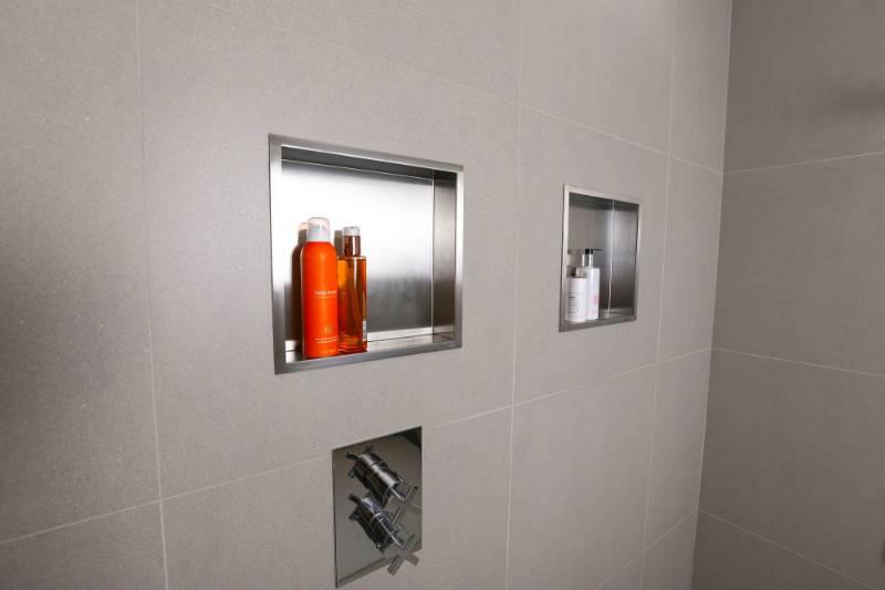 BOX 7 - Bathroom cabinet