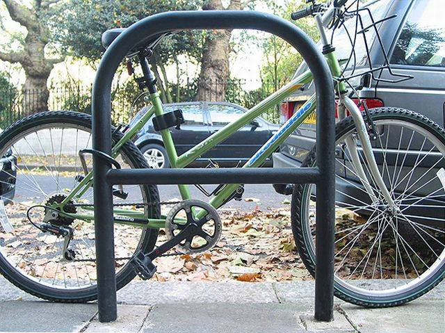 Hammersmith Cycle Stand