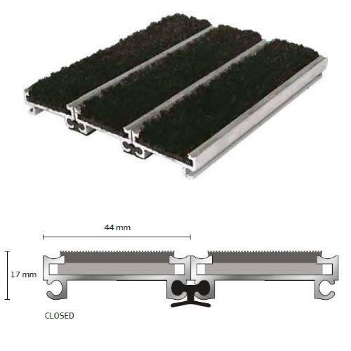 Entrance Matting: Quantum Flooring Solutions Q-Connect Barrier Matting