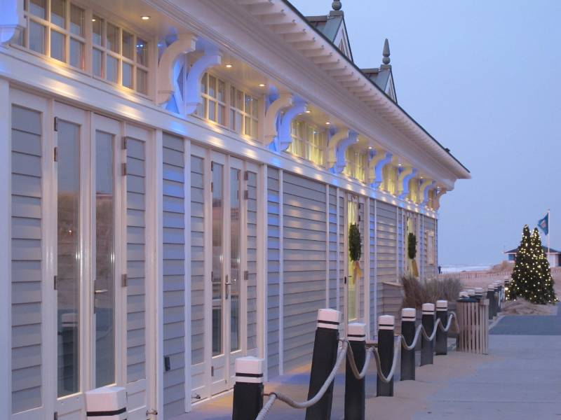 Accoya wood at Breakers Beach restaurant, The Netherlands