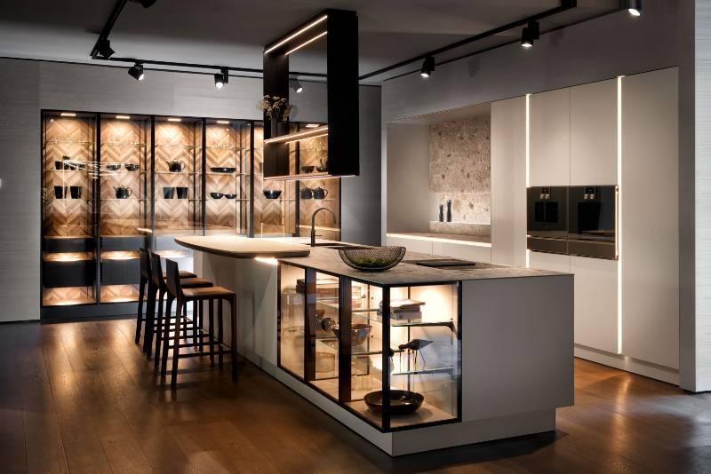 "The ""New Handle-Free SieMatic"""