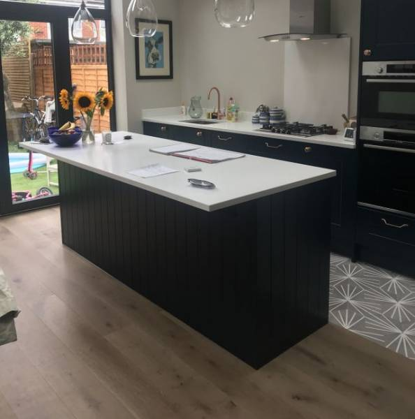 Light Grey Lacquered Engineered Oak Wood Flooring