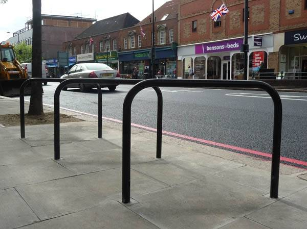 Sheffield Carbon Steel Cycle Stand