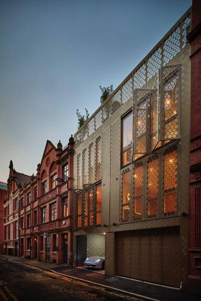 Rundum Meir façade doors uniquely reflect Manchester landmark's heritage