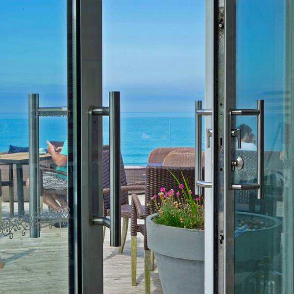KM9 Patio Handle Adds The Finishing Touch to Coastal Properties