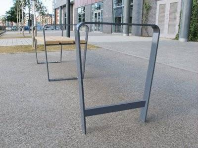 Ribbon Carbon Steel Cycle Stand