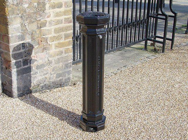 Smoke King Ash Waste Bollard