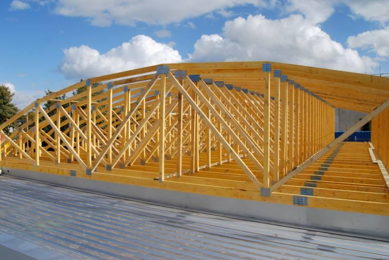Curved Trussed Rafter Roof Over Supermarket