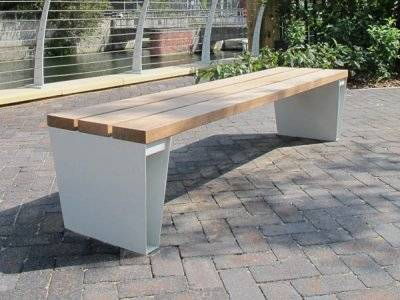 Veeva Curved Benches