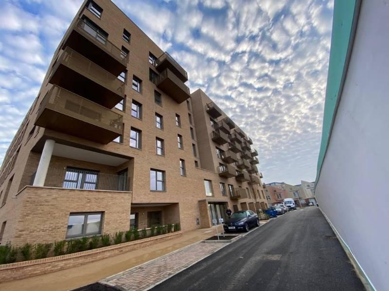 HENDON PHASE 4 - Barratts - 68nr Balconies