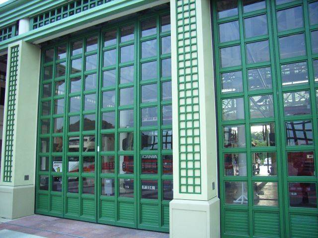 Thermafold 1000 Side Hung Insulated Folding Doors