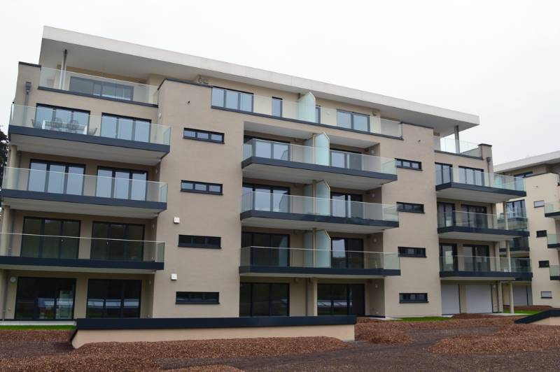 Easy Glass Slim outdoor glass balustrade for Luxembourg apartment buildings