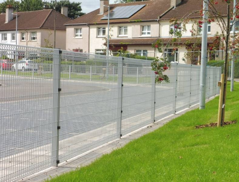 Roll Top + Nylofor-Twilfix - Metal mesh fence panel