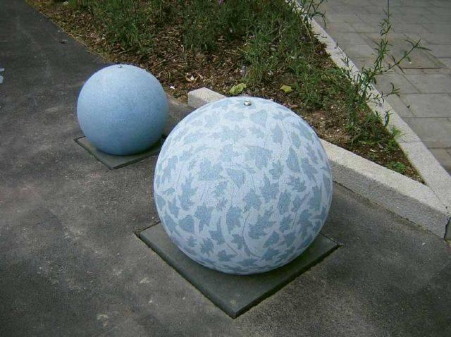 Spherical 500/ 700 Concrete Bollard
