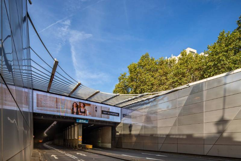 Curved Solar Shade System at Hyde Park Corner Underpass