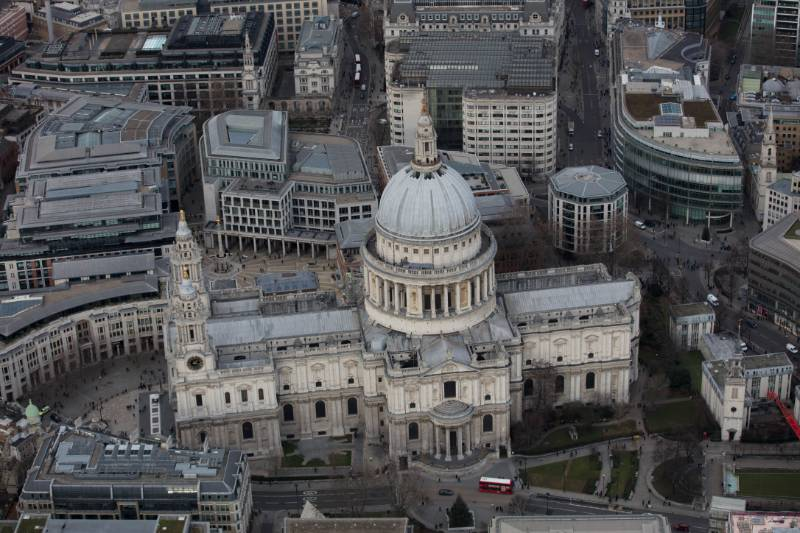 Replacing 100 Year Old Asphalt on St Paul's Cathedral Stone Gallery