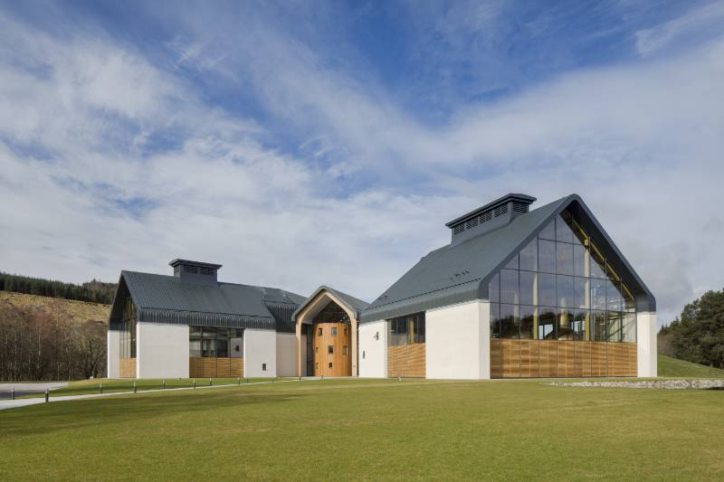 Dalmunach Distillery : Carron, UK