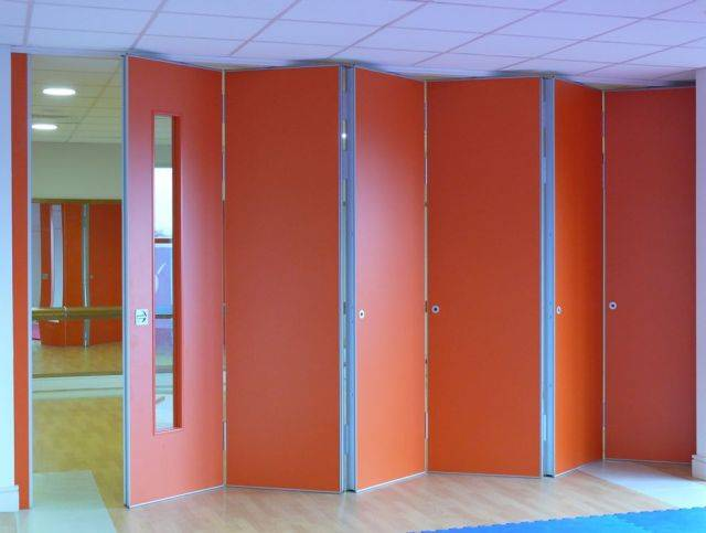 Kudos Sliding Folding Partitions end folding single wing