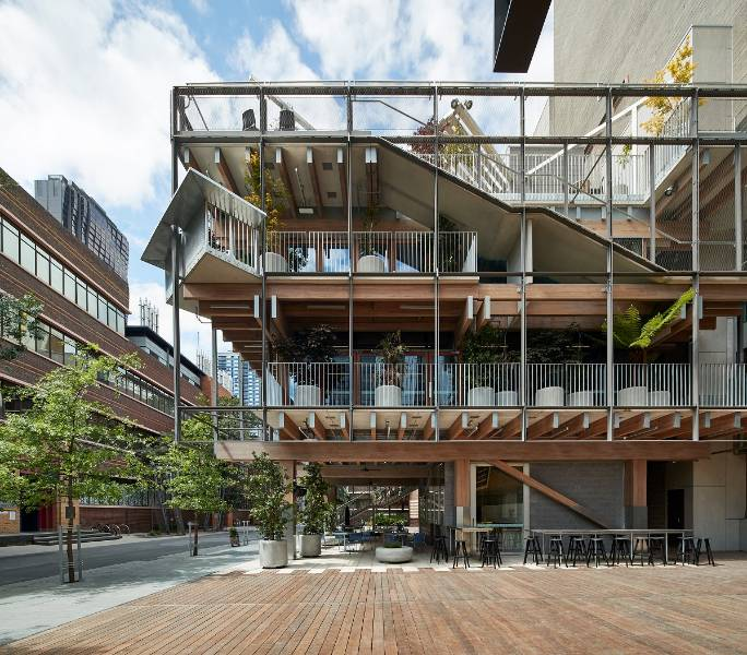 Victorian ash glue-laminated members featured in RMIT's Garden Building