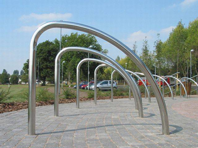 Fin Cycle Stand