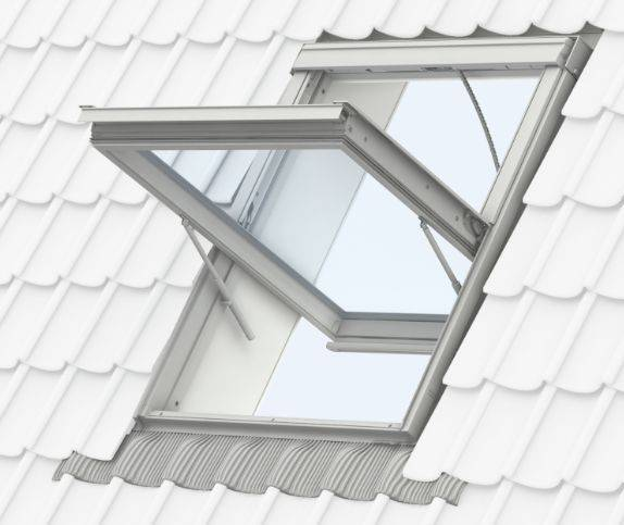 GGU white polyurethane, centre pivot roof window, automatic smoke ventilation system, 1.5 m²