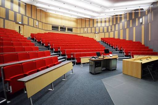 Vario C9 with fixed desk - Lecture Theatre Seating