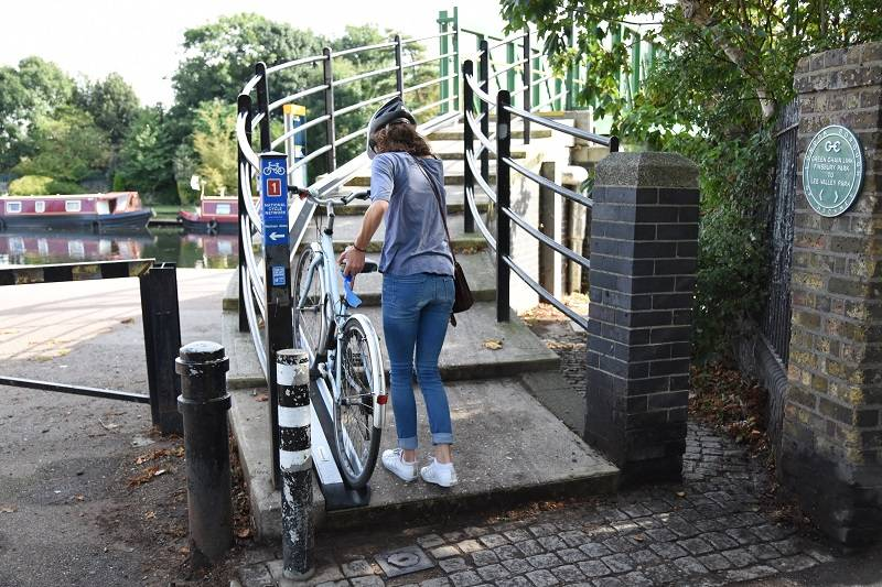 NEW IMPROVED BIKE WHEELING RAMP IN WALTHAMSTOW