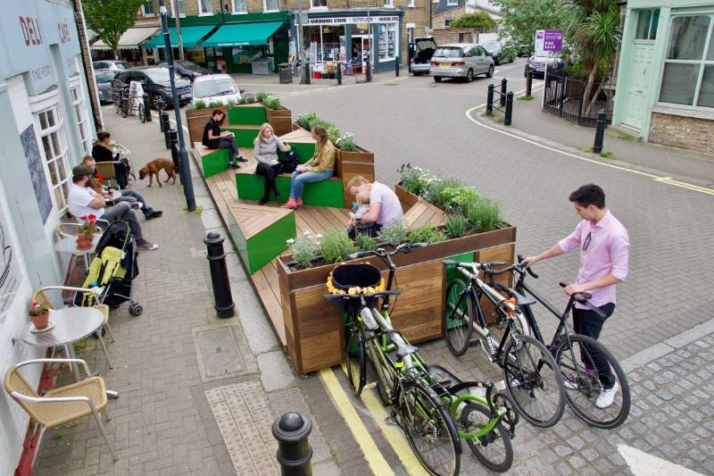 CYCLEHOOP INTRODUCE OUR LATEST PARKLET TO HAMMERSMITH AND FULHAM
