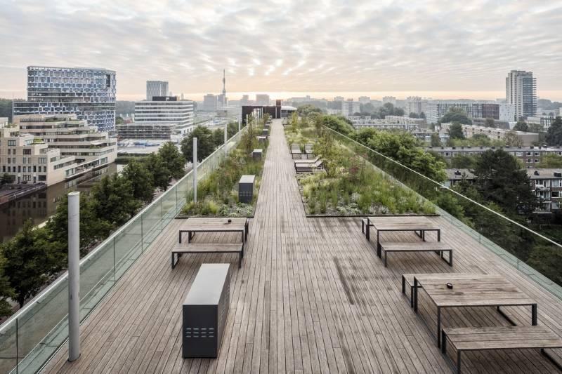 Easy Glass Pro outdoor glass balustrade - Amsterdam rooftop garden