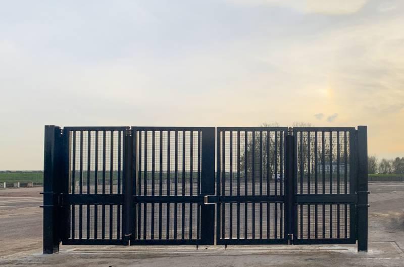 IWA 14/PAS 68 HVM Terra Bifold Gate