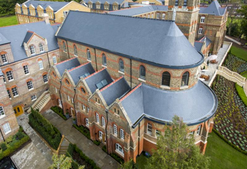 Del Carmen Takes Home Roof Slating Award