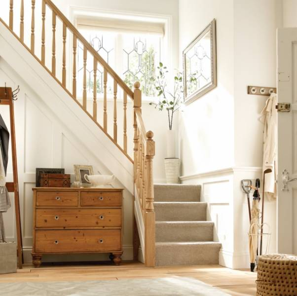 Trademark White Oak Indoor Stair Balustrade