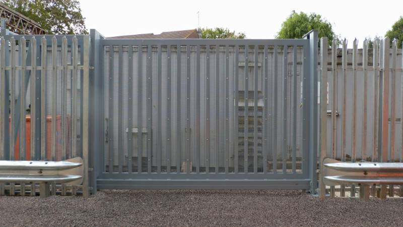 LPS1175 Platinum Sliding Gates, Secured by Design