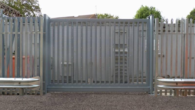 LPS1175 Platinum Sliding Gates, Secured by Design