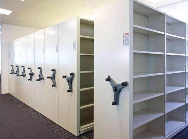 Rackline mobile set-ups: Monotrak-Storage system