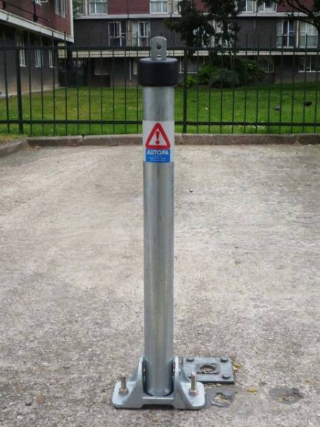 Hinged TOPLOK Parking Post